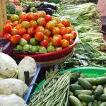 海外旅行に野菜ジュースを持っていこう ― 旅行中の野菜不足を補うことができ、実は荷物にもならない