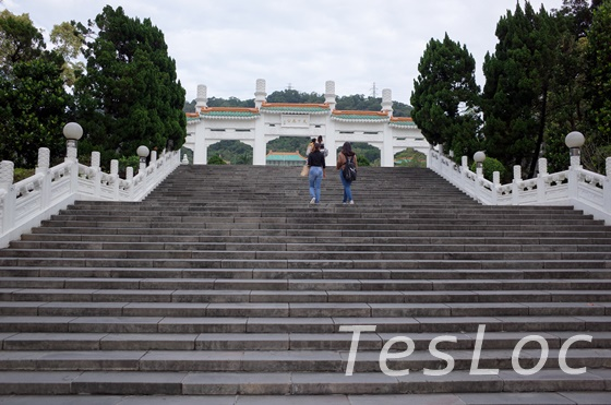 故宮博物院入口の門と階段