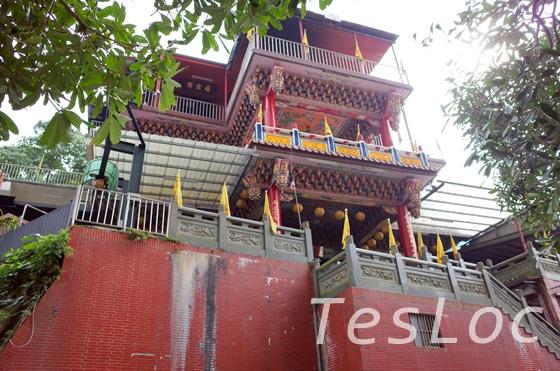 象山歩道入口脇のお寺