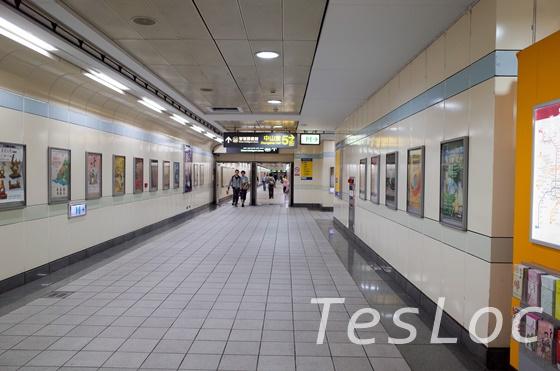 西門から台北駅へとむか通路っぽいところ