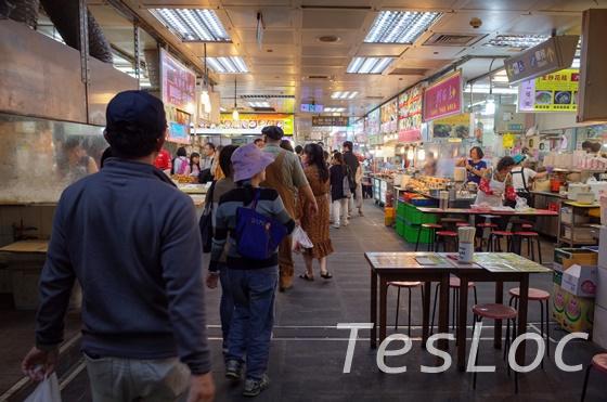 士林夜市市場の地下