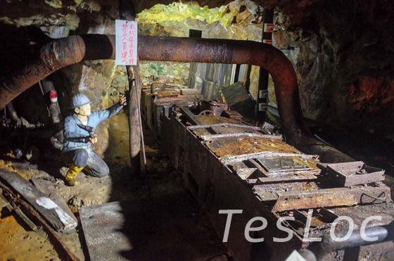 金瓜石本山五坑内のトロッコ展示