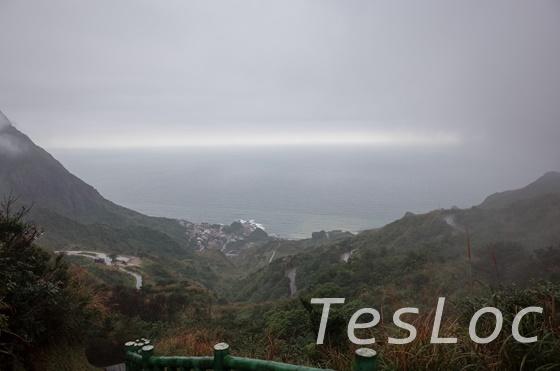 茶壺山登山道から見えた海
