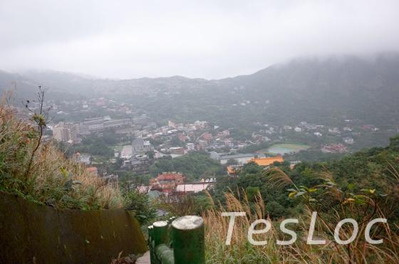 茶壺山登山道からみえる町並み