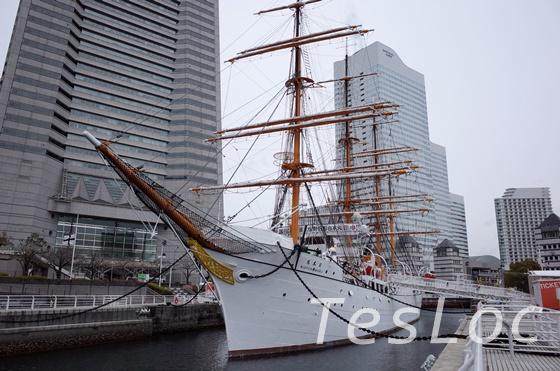 帆船日本丸前から