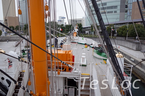 帆船日本丸の前部甲板