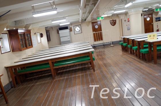 帆船日本丸の練習生食堂