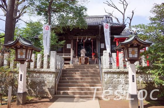 洗足池西側の神社