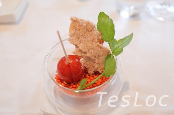 ラトラスのアミューズトマトとフォアグラペースト
