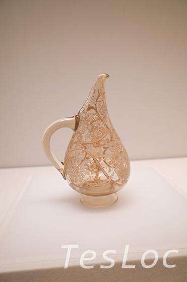 エミール・ガレの文様花瓶