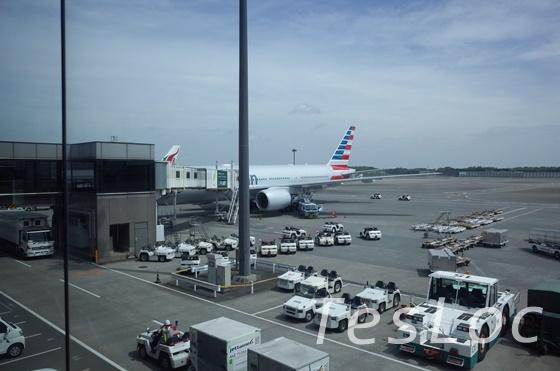 アメリカン航空の777-200型機