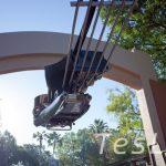ロックンローラー・コースター ― ディズニー・ハリウッド・スタジオのコースタータイプアトラクションは急加速、コークスクリューなどもあってスリル満点!