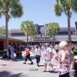 Star Wars Launch Bay at ハリウッドスタジオはStar Warsファン垂涎のキャラグリ+展示施設