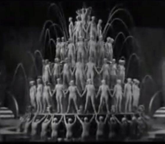 映画「フットライト・パレード」By a Waterfallのシーン