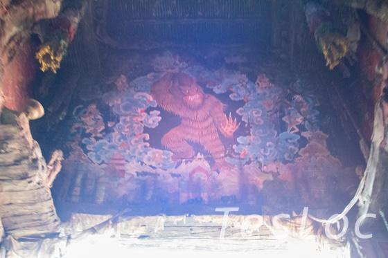 WDWアニマル・キングダム「エクスペディション・エベレスト」イエティの壁画