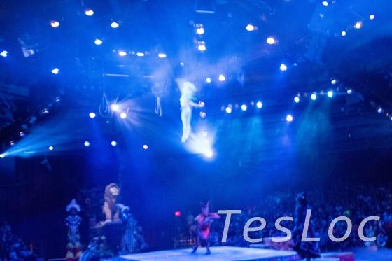 WDWアニマル・キングダム「フェスティバル・オブ・ライオンキング」空飛ぶバレエダンサー