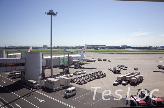 JAL国内線「サクララウンジ」カウンターからの眺め