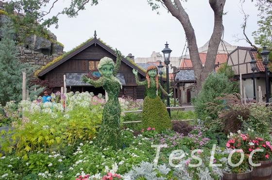 WDWエプコット「フラワー&ガーデンフェスティバル」アナとエルサ