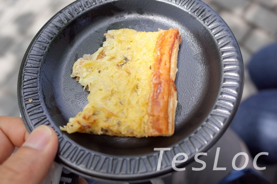 WDWエプコット「ワールドショーケース」オニオンチーズパイ