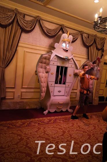 WDWマジックキングダム「ベルの魔法の物語」プレショー