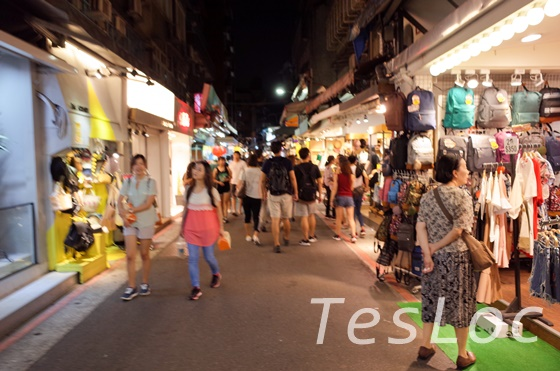 台湾「師大夜市」メイン通り