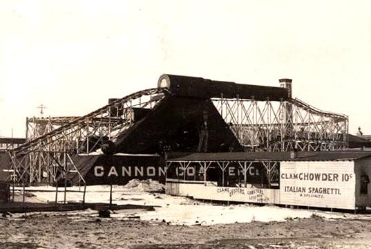 コニーアイランドのキャノンコースター