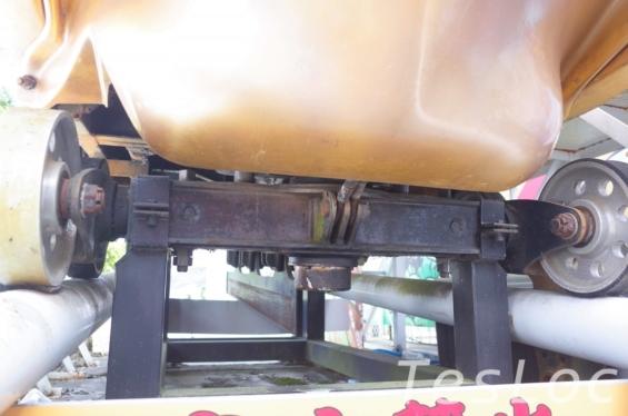 富士急ハイランド「FUJIYAMA」の車両下部車軸